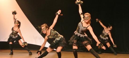 octobre-rose-var-est-spectacle-danse-2-2013.jpg